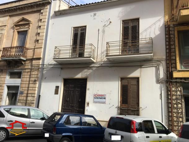 Palazzo in vendita Via G. Matteotti n. 193, Vittoria (RG)